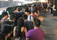 一加5國外首銷,排隊人群比iPhone多得多!