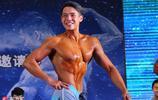 滿屏肌肉!全國高校大學生健美賽開幕 俊男靚女大秀身材