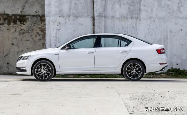 配件80%跟朗逸一樣,純德系血統掀背車,1.5L動力開一公里5毛錢