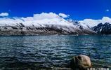 年寶玉則位於青海省果洛藏族自治州久治縣索呼日麻鄉境內,是巴顏喀拉山的最高峰,為國家地質公園