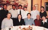 毛主席女兒李敏,李訥罕見合影照,衣著樸素,非常普通的老太太