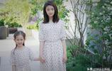 黃磊妻子孫莉晒出兩個女兒的合影,姐妹倆牽手玩親親感情十分要好