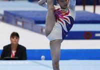 她曾是體操隊長,退役後選擇上大學,如今一張網紅臉美到認不出