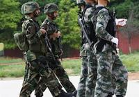為什麼特種兵穿軍靴而不是穿運動鞋?