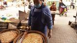 河南大叔祖傳四代手藝做壯饃,一個饃八斤重,一天只賣20個