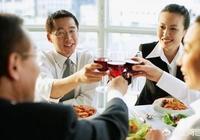 單位組織聚餐自己不喝酒,領導讓不喝酒的人開自己的車依次送喝酒的同事回家,自己拒絕了,合適嗎?
