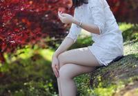 紅楓樹林美女