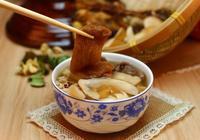 無湯不開飯 廣東人最常飲服的湯水種類是老火湯