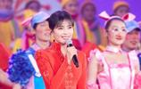 40歲劉濤撞衫50歲周濤!紅色刺繡長禮服,時尚又喜慶!誰贏了?