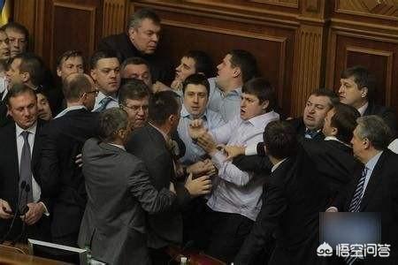 如果現在的烏克蘭還是亞努科維奇執政,走的是親俄路線,普京還會併吞烏克蘭的克里米亞嗎?
