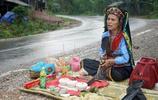 """實拍:越南與死者溝通的""""招魂師""""作法現場,事後稱什麼也不記得"""