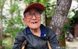 山西農村9旬老人樹林安家20年,看他如今生活成啥樣