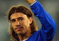 可以介紹一些足球中著名的中鋒如因扎吉,維埃裡,克雷斯波嗎?
