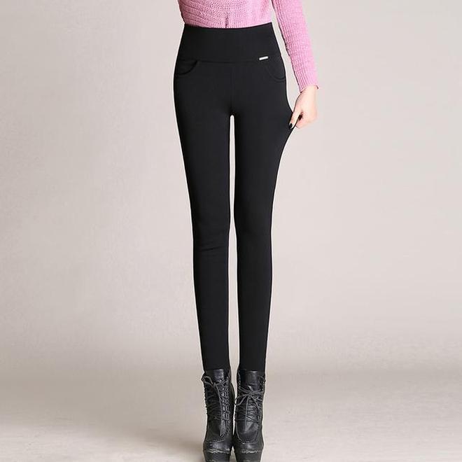 """足足等了半個月,""""暖暖褲""""終於上新,70後女人穿,高挑顯腿長"""
