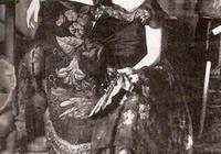畢加索筆下的第一人妻子