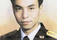 1998年抗洪時,他為救戰友壯烈犧牲,留給母親的信更是感動所有人