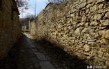 實拍:大峰山下有一個全是石頭壘成的古村落,至少擁有600年曆史