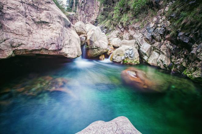 """比黃山遊客少,但風景能與黃山媲美的""""小黃山"""""""