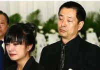 在他的葬禮上,趙薇哭成淚人,而范冰冰一出場畫面居然變了