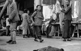 罕見民國老照片:流浪兒餓暈街頭 親王淪為平民後拍全家福