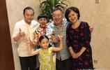鞠萍金龜子朱軍私下聚會,董浩叔叔滿頭白髮,看到他們好親切啊!