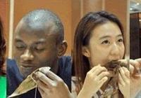 老外說:你們中國食物太難吃了!中國廚師:你倒是去皮啊
