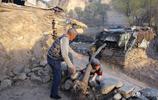 春季黃土高坡的窯洞,煙排不出去,看看70歲老人有什麼好辦法?