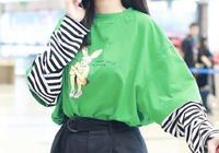 沈夢辰真會穿,綠色T恤配高腰闊腿褲,貝雷帽一戴秒變小可愛