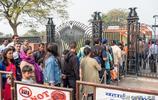 印度首都的這座寺廟,每年接待遊客比盧浮宮都多,排隊近千米