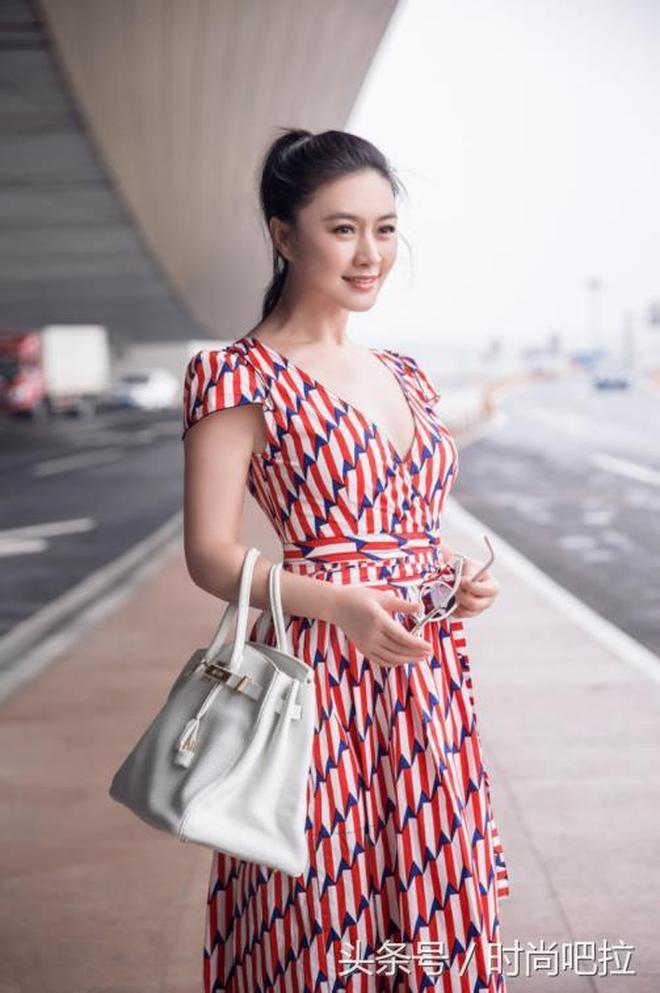 42歲田海蓉美的讓人心醉,卻遭陸毅拋棄,網友:陸毅是怎麼想的!