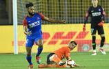足球——中超:武漢卓爾對陣重慶斯威