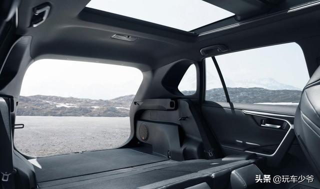 本田CR-V被比下去了,豐田銷量王迎大改款,配2.5L混動系統