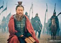 曹操要殺一個17歲大臣,曹丕極力阻攔,曹操說了9個字,曹丕無言