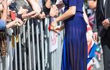 當王妃和公主裙子被風吹起:凱特優雅,卡米拉匆忙,女王氣場強大
