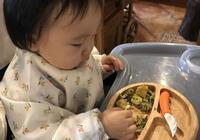 一歲寶寶一頓吃多少飯?