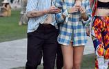 布魯克林·貝克漢姆和女友現身街頭遊玩,兩人親密相擁撒狗糧