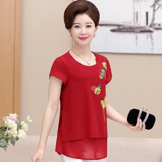 47歲的微胖女人最適合的襯衫,超顯瘦,擺脫小粗腰的利器