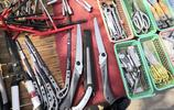 實拍農村大集:一個攤位售賣二手國外工具,價格是國內產品的數倍