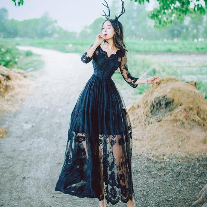年輕美女都在穿刺繡連衣裙,唯美文藝,路人直呼太美了