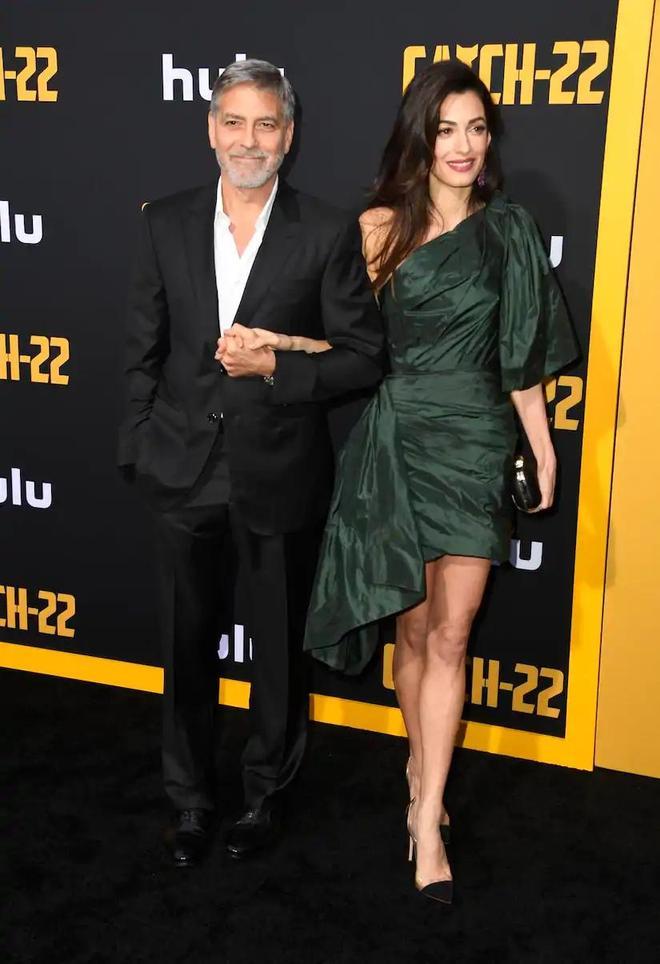 喬治·克魯尼攜嬌妻阿馬爾·克魯尼出席《第22條軍規》首映式