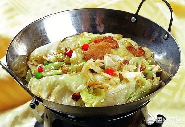 做幹鍋包菜,撕了外皮後,你覺得包菜需要洗嗎?如何做好吃?