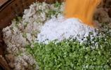 豆腐別炒著吃了,學會這個方法,一個人3斤豆腐不夠吃,椒香酥脆