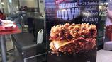 沒有面包的漢堡,誰見過?泰國KFC新出了炸雞培根堡,霸氣十足