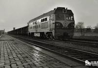 小時候我喜歡看火車,長大後喜歡坐慢車,在慢中品味路上的風景