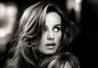 """紅毯女神、初代超模!精通四國語言,她是好萊塢最低調的""""影后"""""""