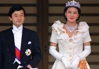 55歲雅子皇后和天皇亮相!穿淺藍色套裝清新又高貴,笑起來太迷人