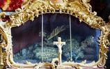 德國慕尼黑兩副骷髏金光閃閃,骷髏教堂仍對遊人開放