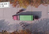 """一組動圖警示你——貨車的""""視野盲區"""",造成的悲慘人生"""
