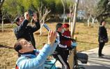 眾人爭相拍照!濟南泉城公園蘭花已盛開