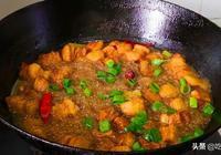 豬肉燉粉條家常做法,味道鮮美,豬肉軟爛,好吃不膩還更入味,香
